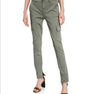 Le Service Frame cargo style stretchy denim pants.